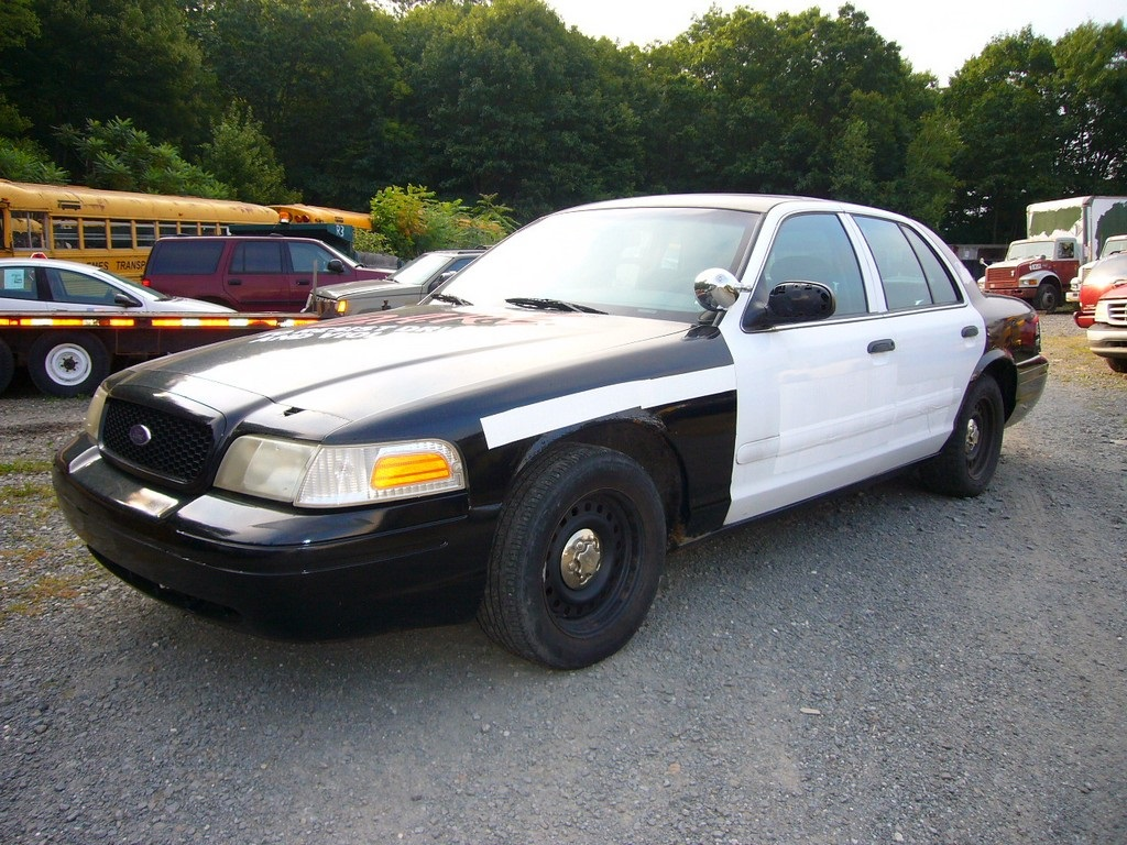 Year 2001 make ford model p71 crown victoria type 4 door sedan engine 4 6l ford gas v8 sohc elec 220 hp 265 ft lb