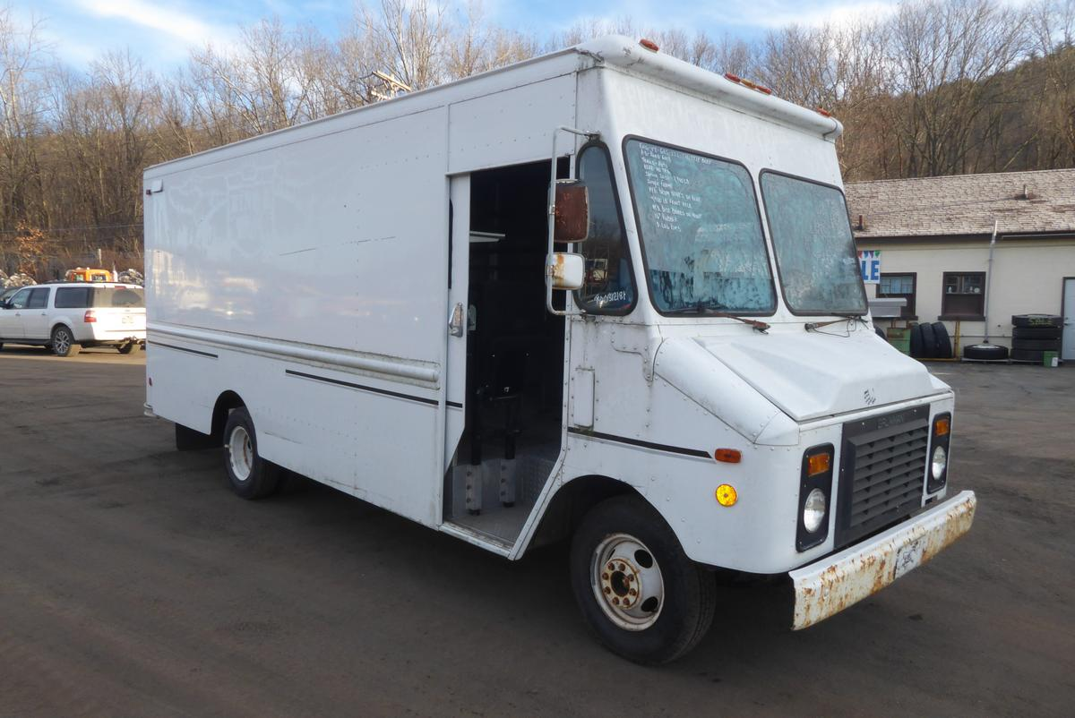 1994 grumman    chevy single axle step van for sale by