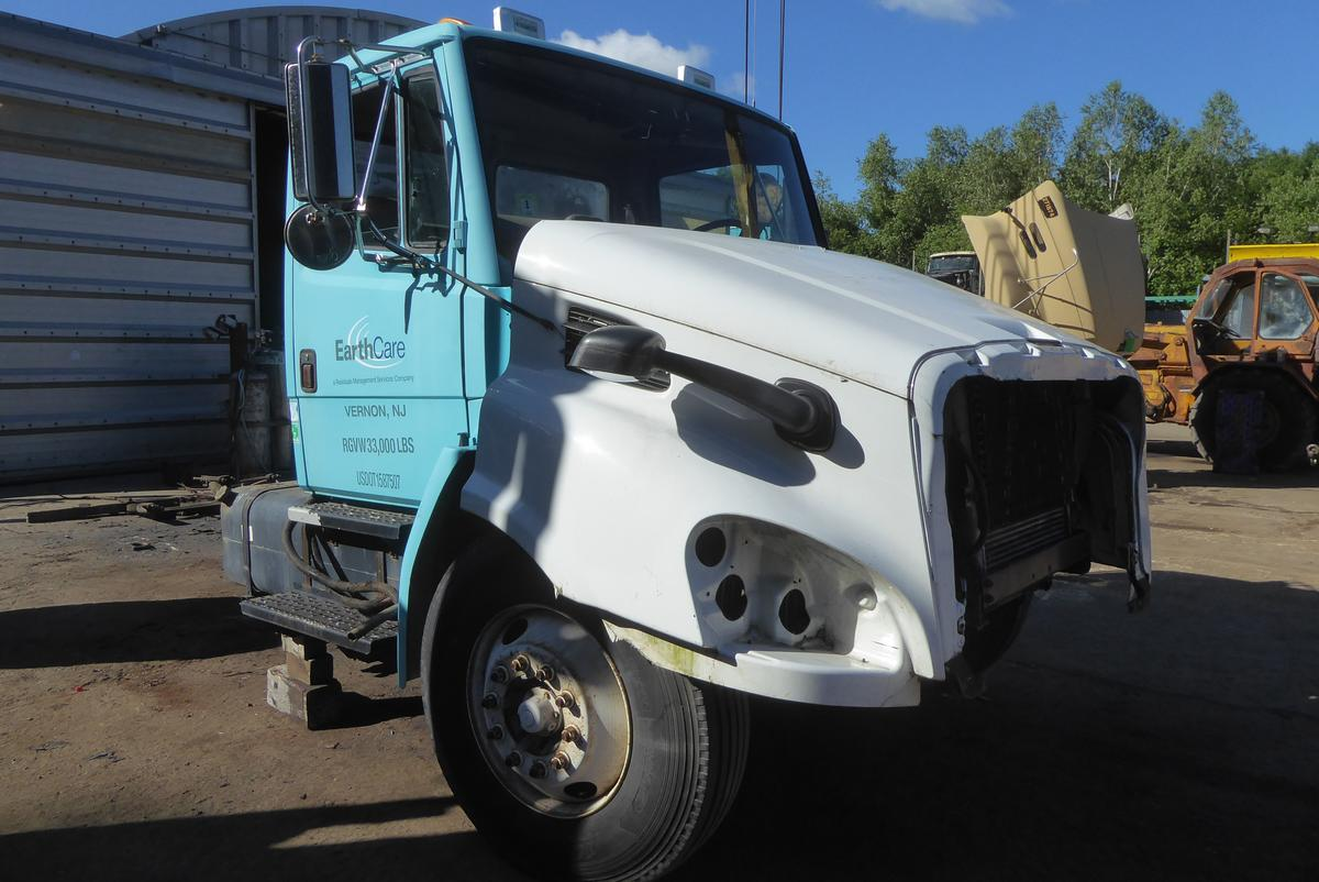 2002 Freightliner Fl70 Single Axle Box Truck For Sale By