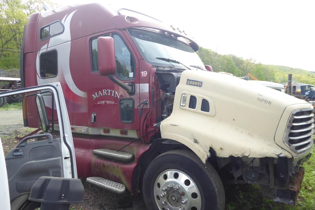 1997 Kenworth T2000 Tandem Axle Sleeper Cab Tractor For