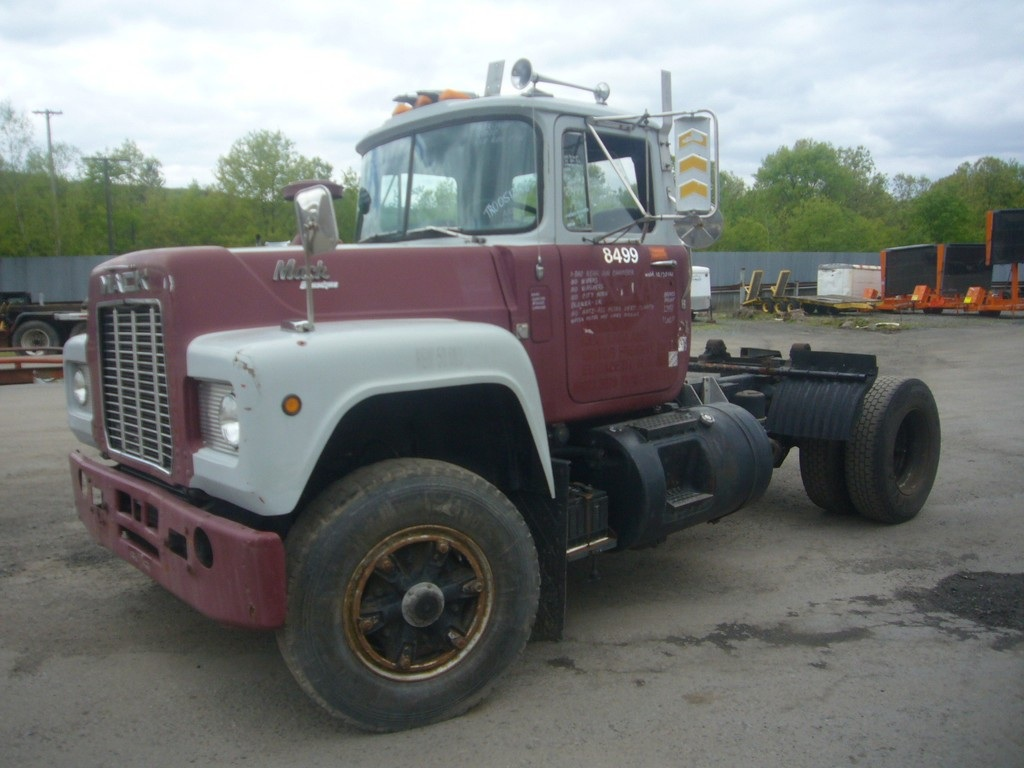 1989 Mack R-Model Single Axle Day Cab Tractor for sale by Arthur ...