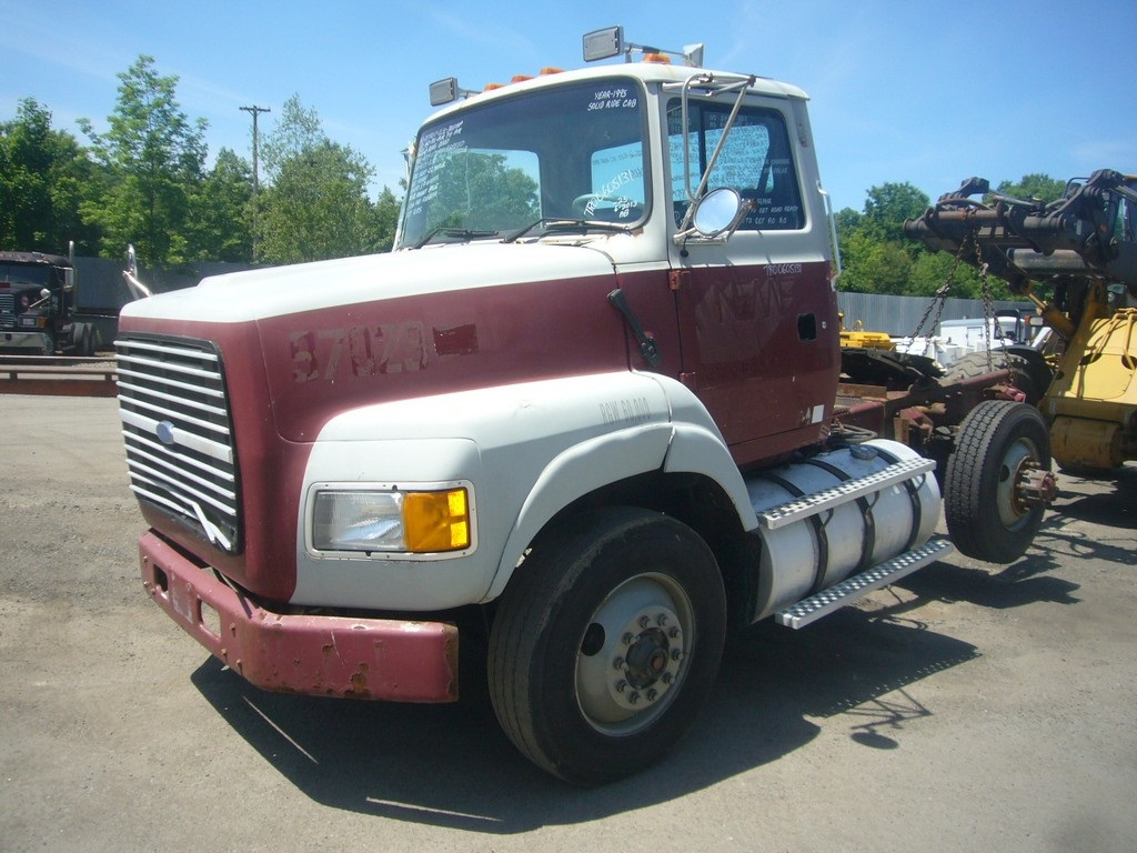 1995 Ford Aeromax L9000 Single Axle Day Cab Tractor For