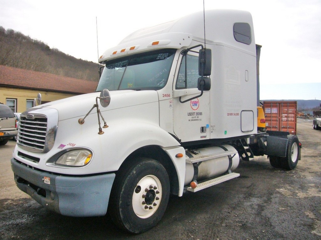 2005 Freightliner Cl120 Single Axle Sleeper Cab Tractor For Sale By
