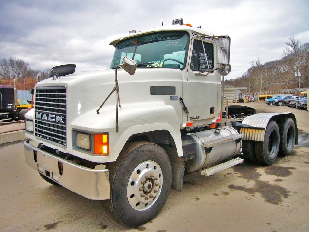 1998 Mack Ch613 Tandem Axle Day Cab Tractor For Sale By