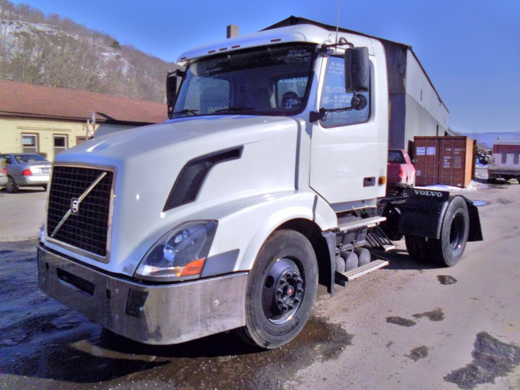 Volvo Single Axle Tractor : Volvo vnm t single axle day cab tractor for sale by