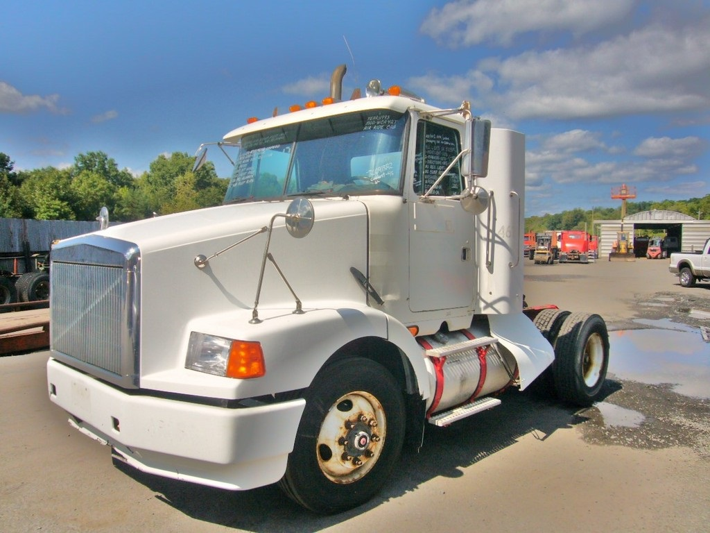 1995 Volvo WCA42T Single Axle Day Cab Tractor for sale by ...