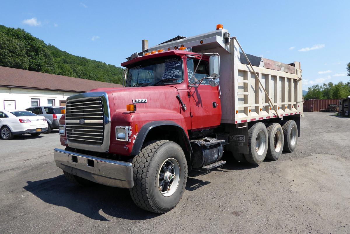 Ford Truck Axles : Ford l tri axle dump truck for sale by arthur