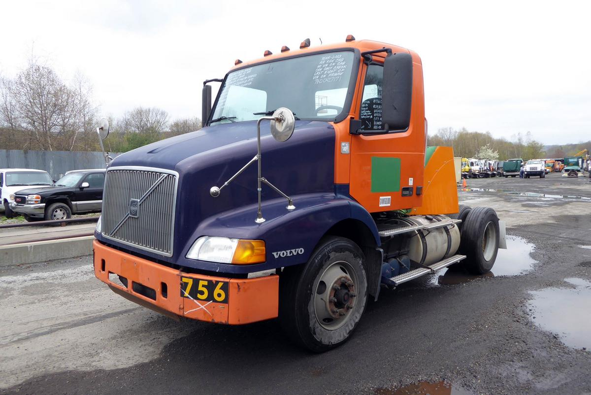 Year 2003 make volvo model vnm42t type single axle day cab tractor motor detroit 12 7l elec 370 hp air to air yes engine brake no